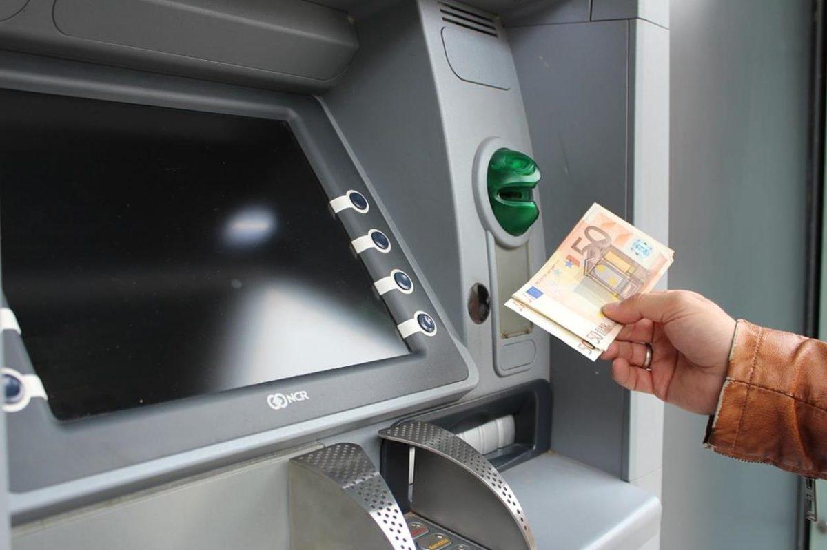prelievo; bancomat;